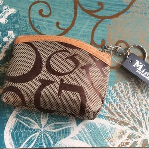 Handbags - ❗️Must Bundle❗️Coin Purse w/Key Ring